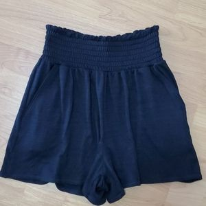 Aritzia Wilfred Free Black Shorts